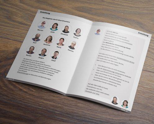 Die geöffnete Broschüre Gleichstellung von Menschen mit Behinderung - man sieht die Seiten 12 und 13